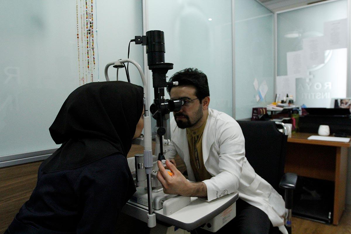 اپتومتریست (بینایی سنج)